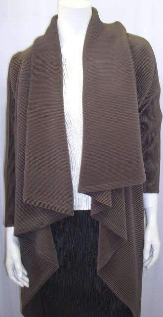 Jolie mine plissé clothe créateur Paris